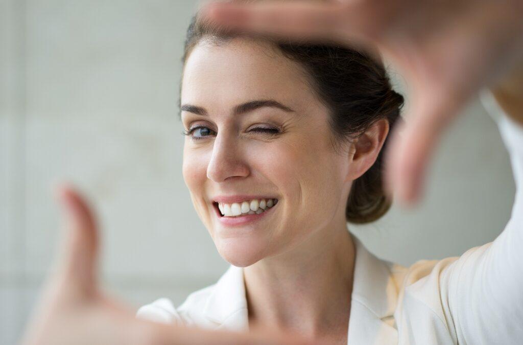 Harmonização = felicidade! Pesquisas comprovam que Botox também eleva a autoestima